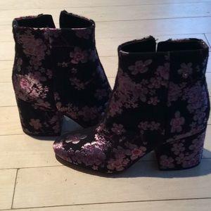 NWT Sam Edelman pink flowered heeled boots